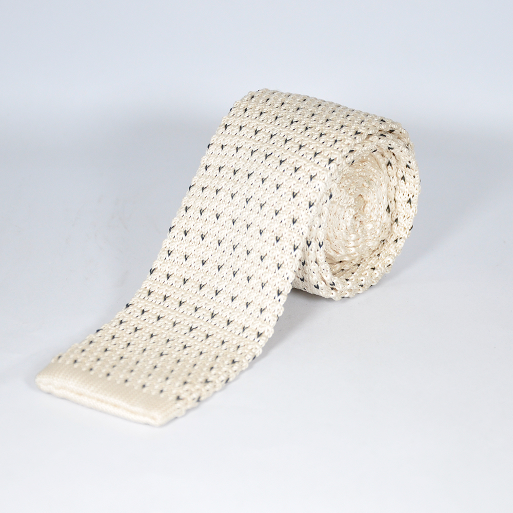 Off-White Knitted Tie 1